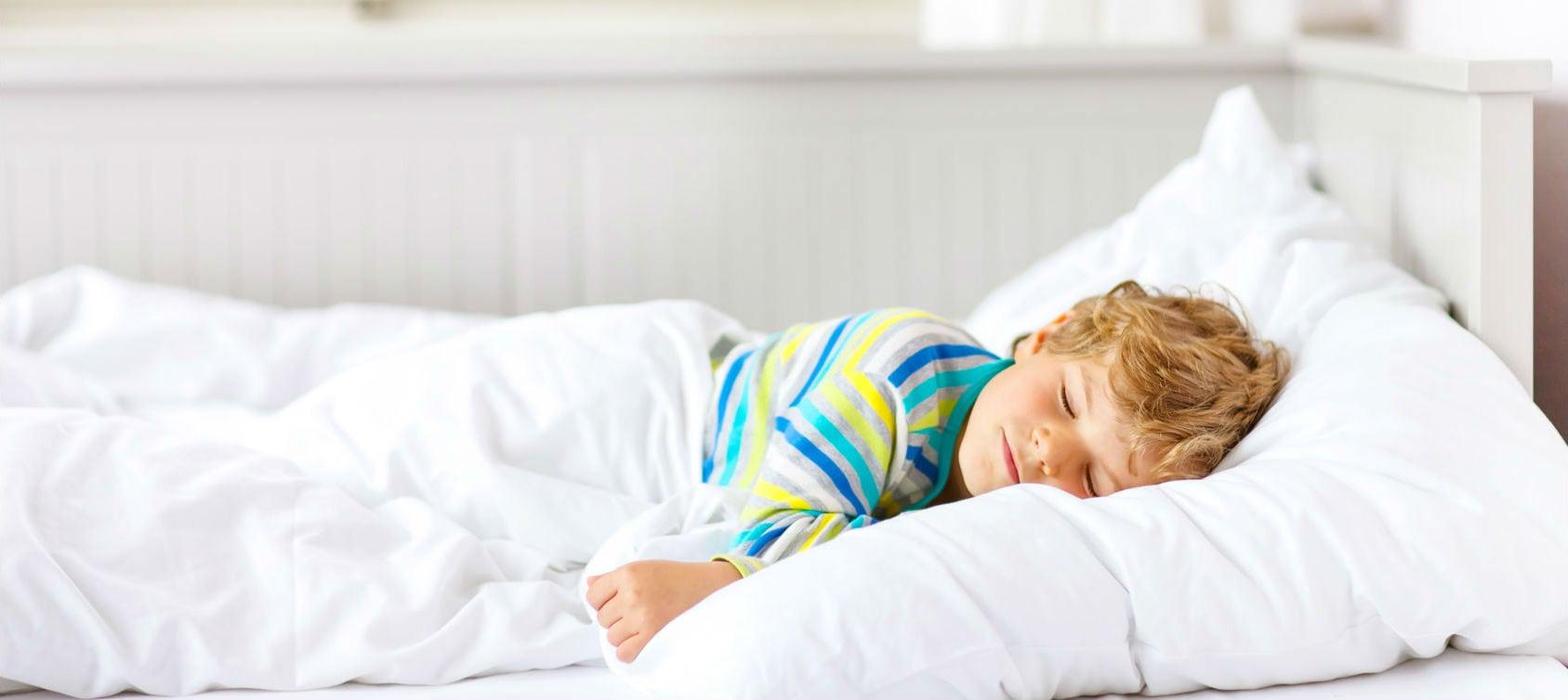 Controlamos la miopía de tu hijo mientras duerme